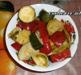 marinuem-assorti-salat-osennij