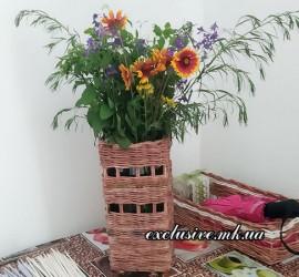 интерьерная ваза из газетных трубочек